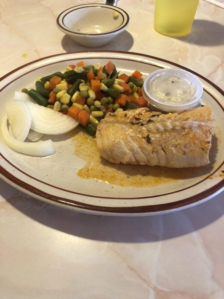 Fiona's Family Restaurant: 595 E Edwardsville Rd, Wood River, IL