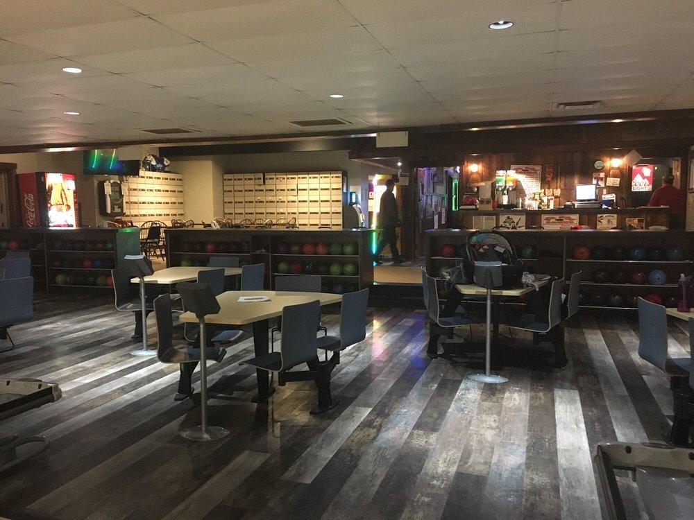 Striker's Lanes & Sports Bar: 780 Cedar St, Baldwin, WI