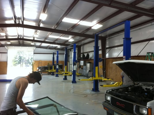 Lindale Auto Glass And Collision Auto Detailing 18755