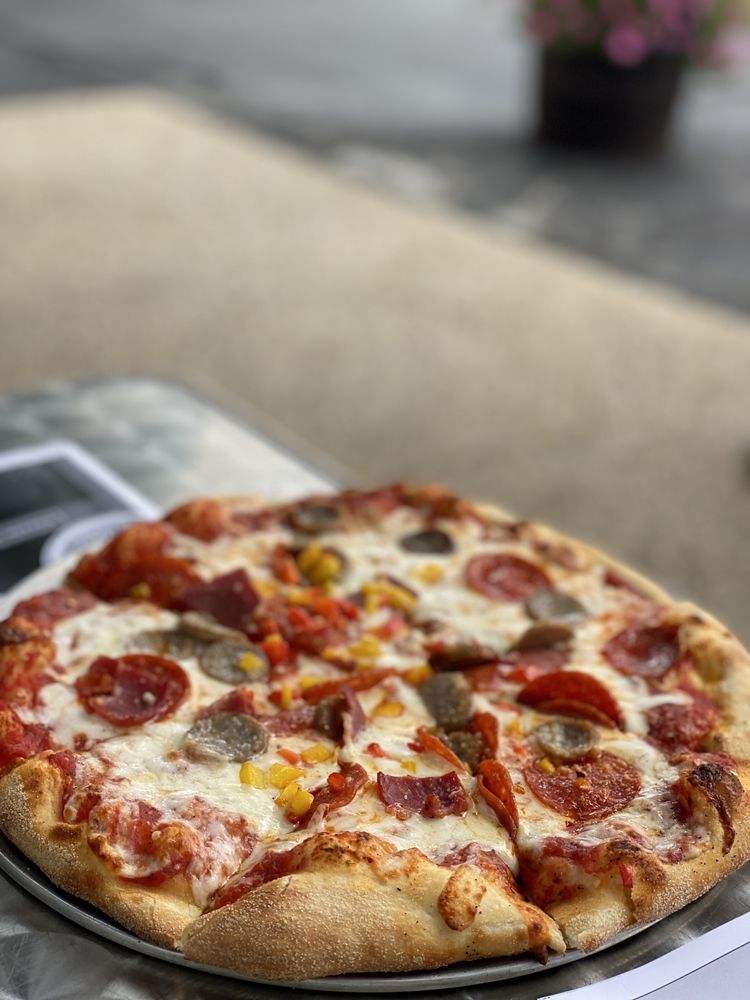 Zeoli's Modern Italian: 110 E 14 Mile Rd, Clawson, MI