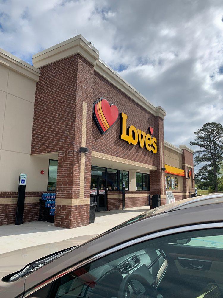 Love's Travel Stop: 1126 County Hwy 35, Hamilton, AL