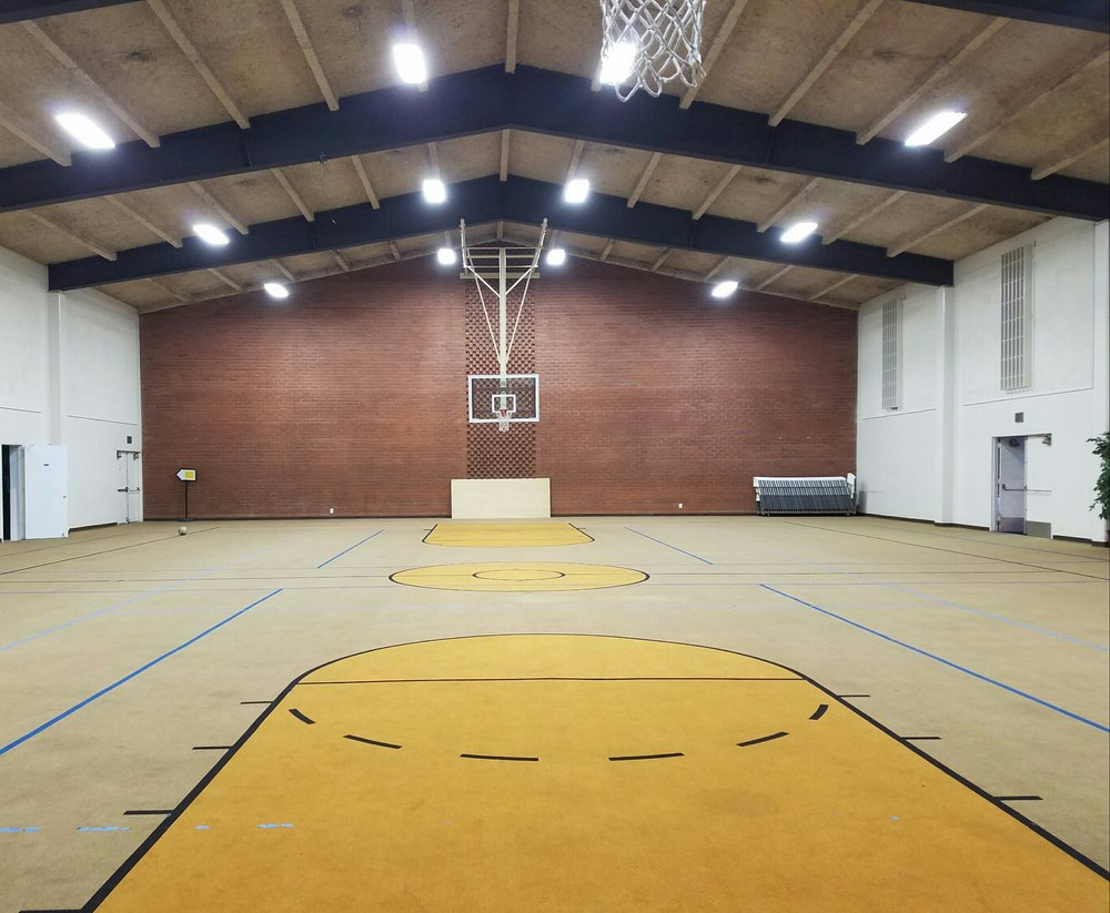Basketball court is made out of carpet yelp for Cheapest way to make a basketball court