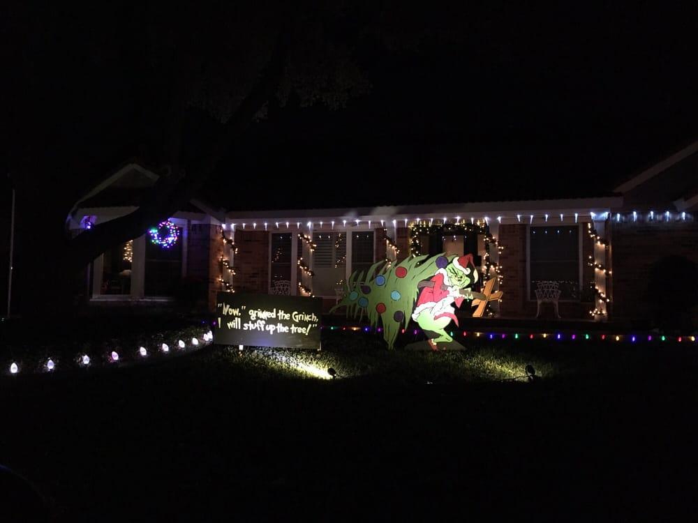 Diamond Loch Christmas Lights Display: 6300 Diamond Loch Dr, North Richland Hills, TX