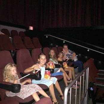 Carmike Hickory Nc >> Amc Hickory 15 New 12 Photos 33 Reviews Cinema 2000