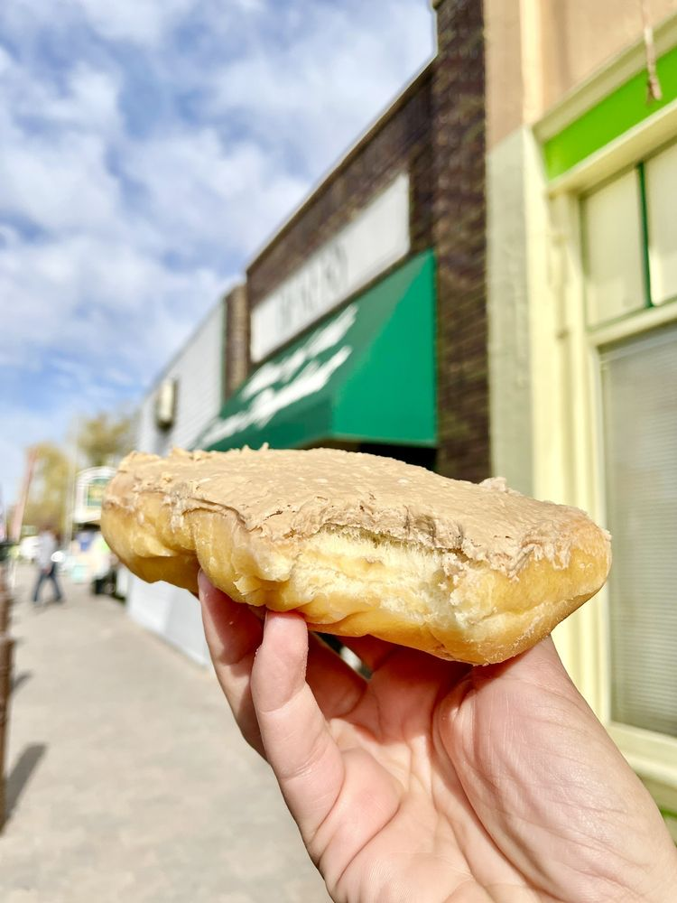 Country Bakery of Lehi: 172 W Main St, Lehi, UT