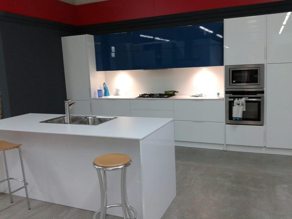 Lamiplast tiendas de muebles avenida de europa 6 pobles del sud valencia espa a n mero - Telefono registro bienes muebles madrid ...