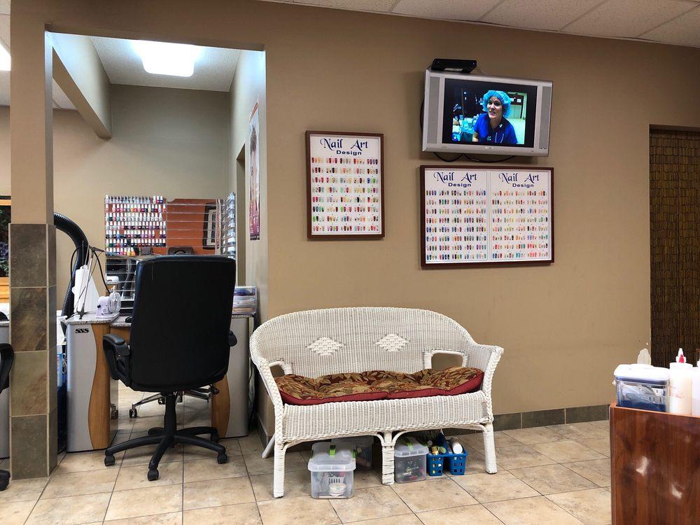 Tina's Nail Salon: 60 33rd Ave S, Saint Cloud, MN