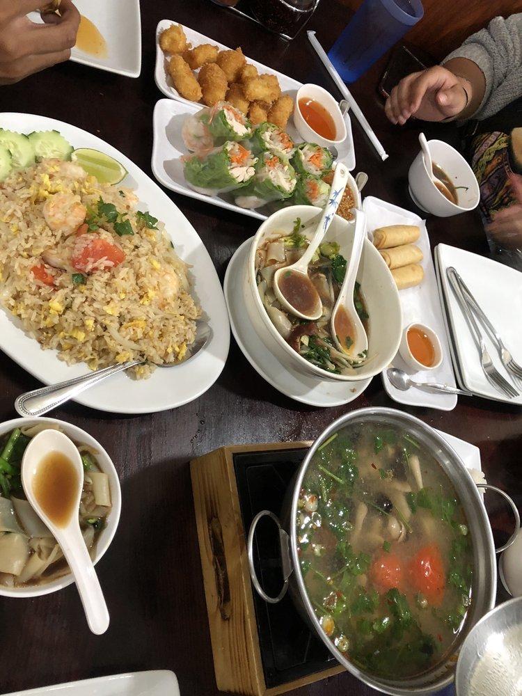 Krungsri Thai Food: 1220 W Francisquito Ave, West Covina, CA
