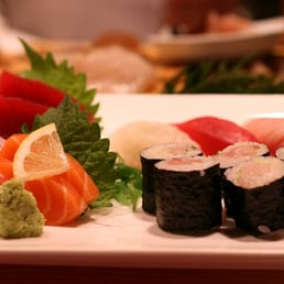 Ariyoshi sushi cafe izakaya order food online 515 for Food bar wilshire