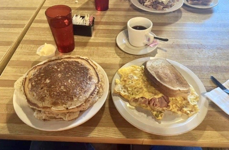 Yetter's Restaurant: 6289 US Hwy 522 S, Mc Veytown, PA