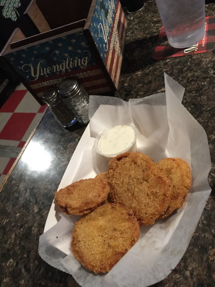 Sugar Street Bar & Grill: 1341 N Sugar St, Lima, OH