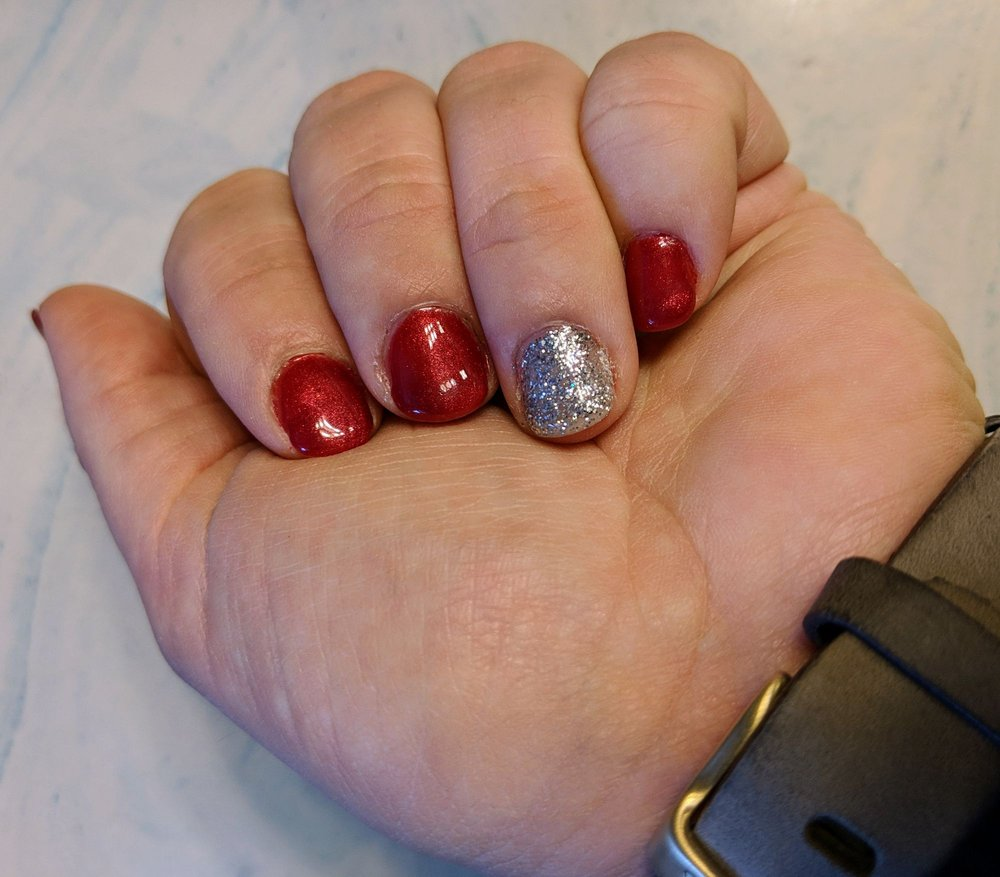 Linda's Nails: 1404 S Muskogee Ave, Tahlequah, OK