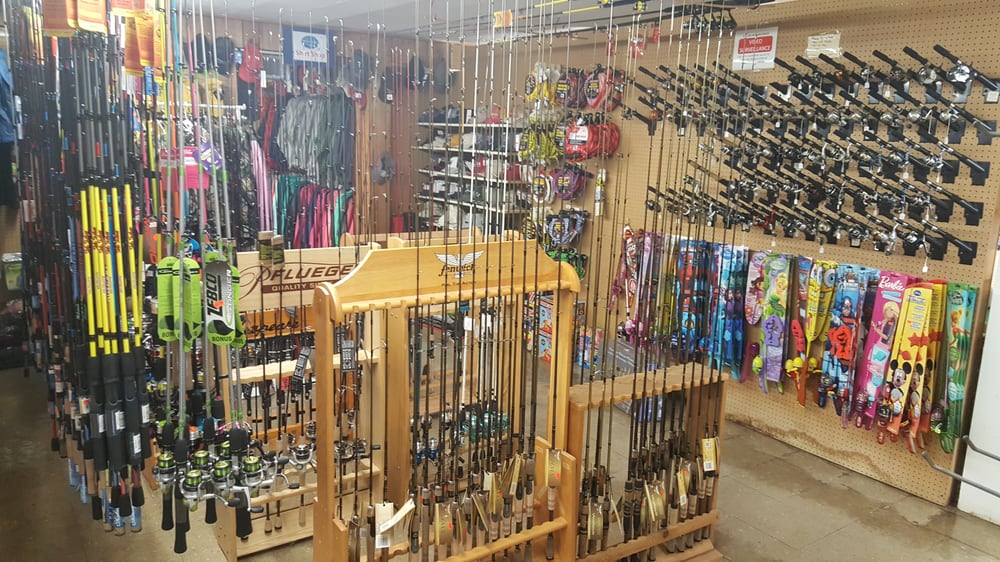 Rod & Gun Sport Shop: 513 2nd St, Chetek, WI