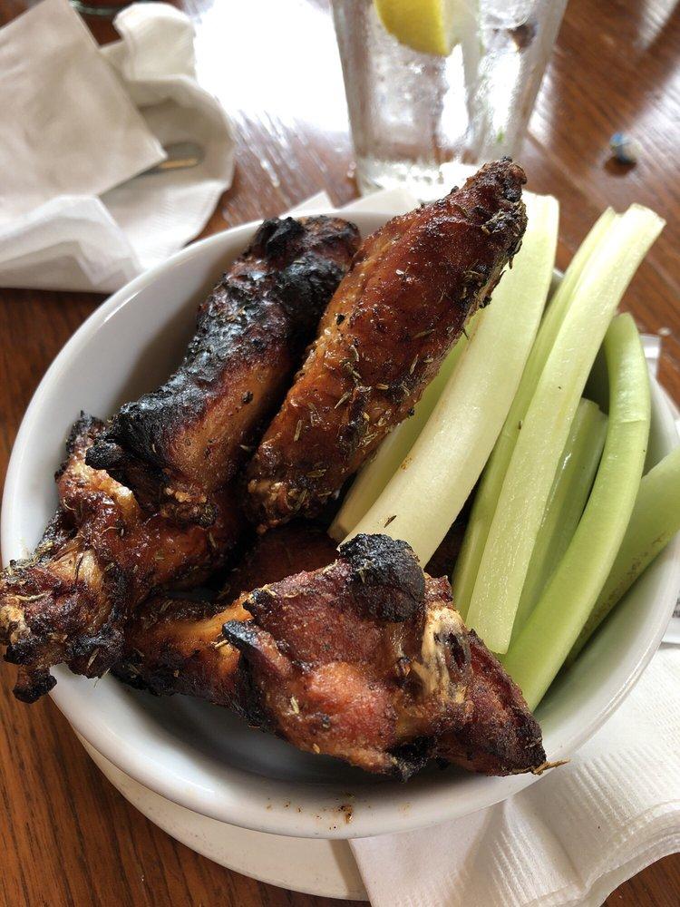 Batdorf Restaurant & Lounge: 245 W Main St, Annville, PA
