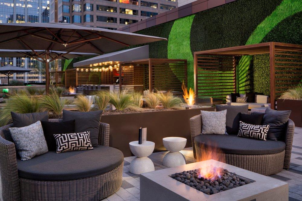 Edge Rooftop + Bar: 110 E 2nd St, Austin, TX