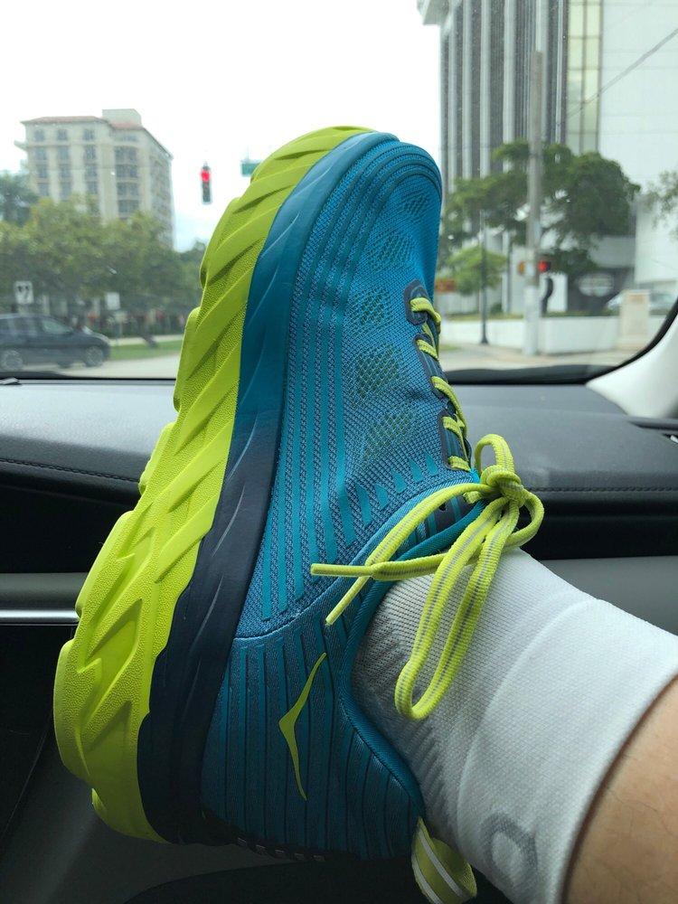 Go Run - Brickell: 120 SW 8th St, Miami, FL