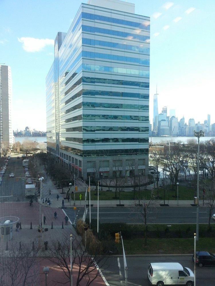 Newport Tower: 525 Washington Blvd, Jersey City, NJ