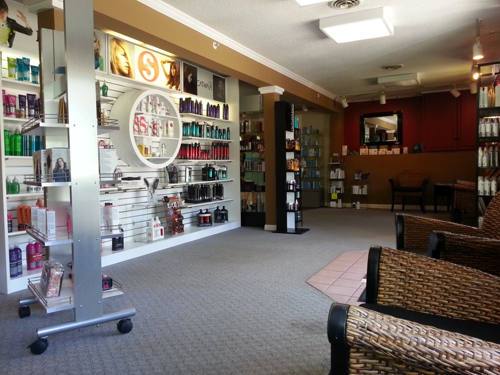 The Cut Off Salon & Day Spa: 2955 White Mountain Hwy, North Conway, NH