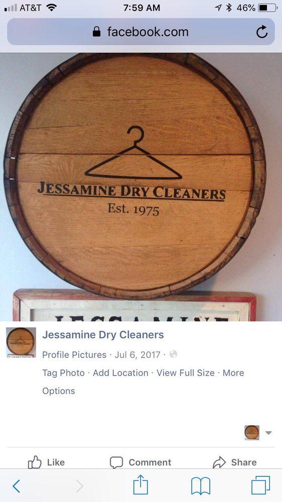 Jessamine Cleaners: 215 E Oak St, Nicholasville, KY