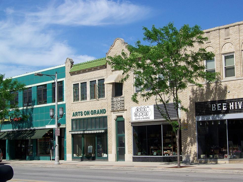 Arts On Grand: 408 Grand Ave, Spencer, IA