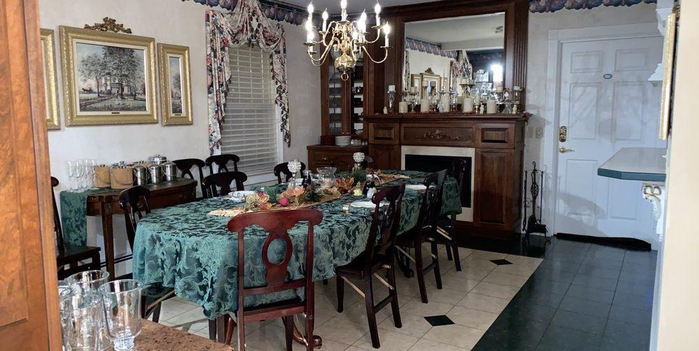 Prairieside Suites Luxury Bed & Breakfast: 3180 Washington Ave SW, Grandville, MI