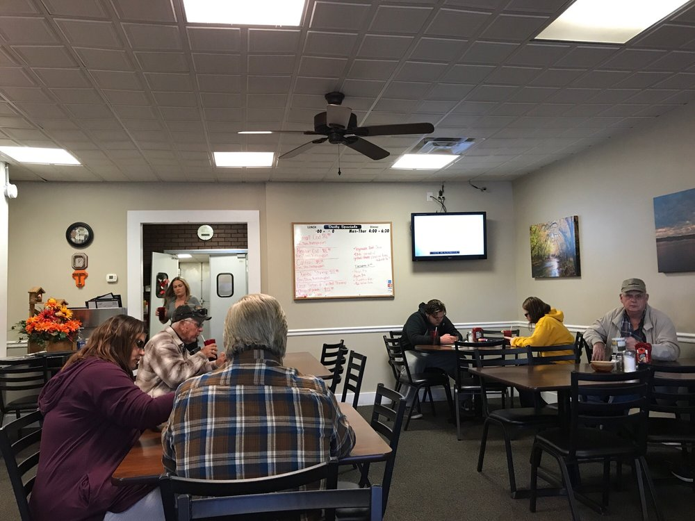 Decatur TN Family Diner: Hwy 58, Decatur, TN