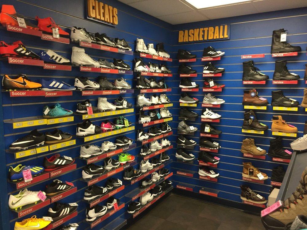 Big 5 Sporting Goods: 1450 E Hatch Rd, Ceres, CA