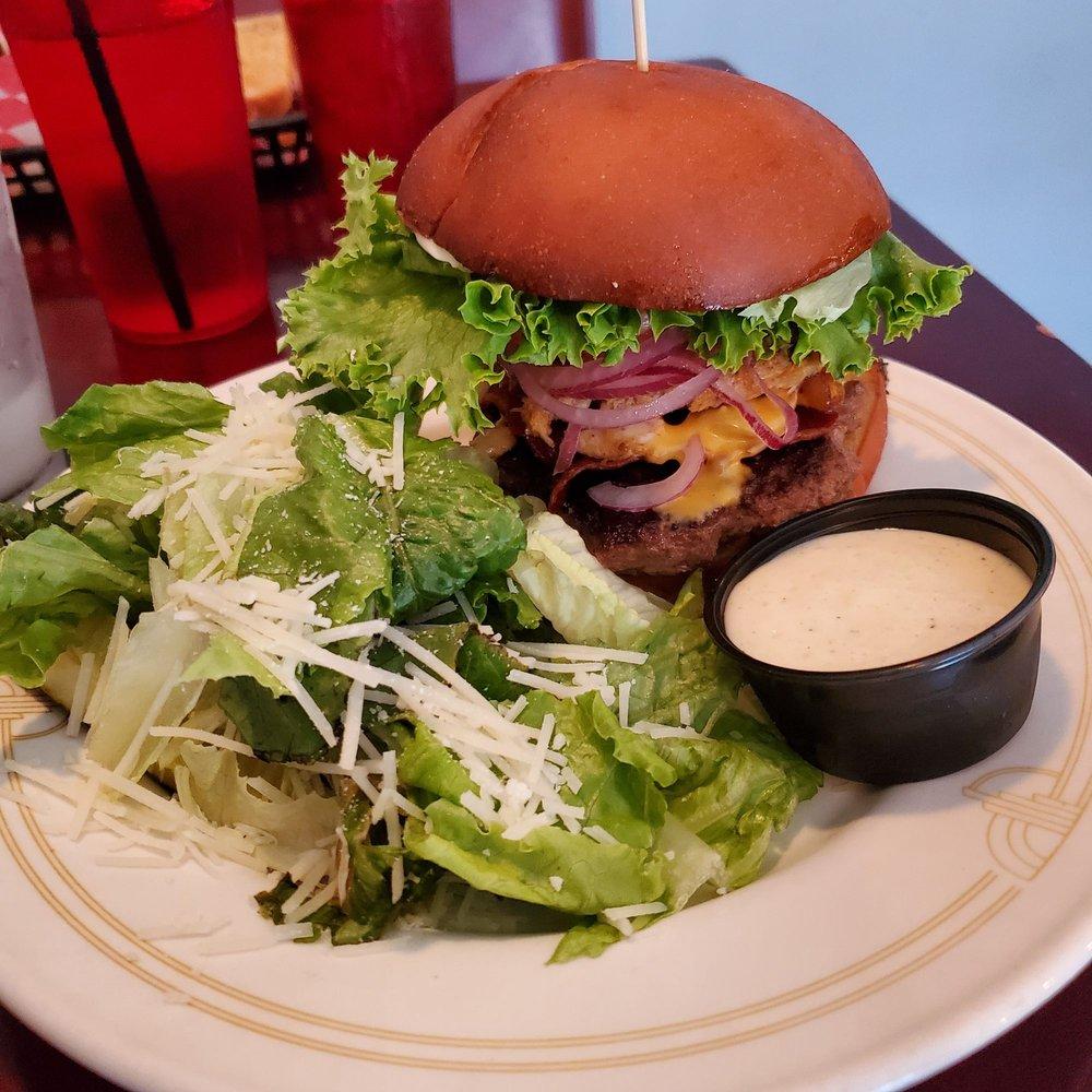 Fatboy's Grill & Steamshack: 15042 Carrollton Blvd, Carrollton, VA