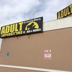 store super Adult den lion