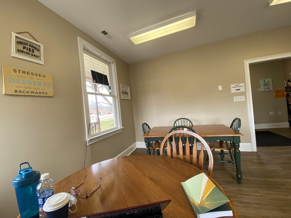 White Rabbit Cafe: 5917 Waxhaw Hwy, Mineral Springs, NC
