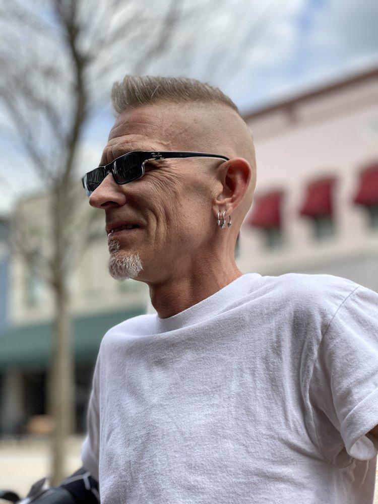 RustyRazor Barbershop: 132 N Woodland Blvd, DeLand, FL