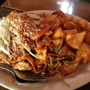 Mee sen thai eatery 217 photos 255 reviews thai for Authentic thai cuisine portland