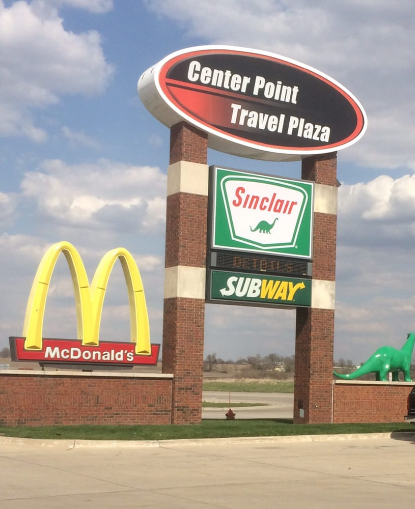 Center Point Travel Plaza: 696 Grain Ln, Center Point, IA