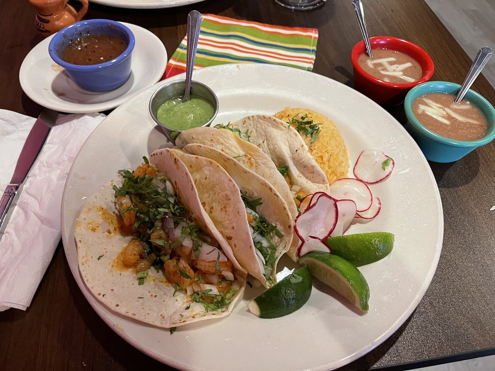 Gracia's Taqueria & More : 285 Commack Rd, Commack, NY