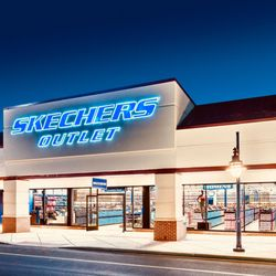 SKECHERS Factory Outlet - 11 Reviews - Shoe Stores - 148 S