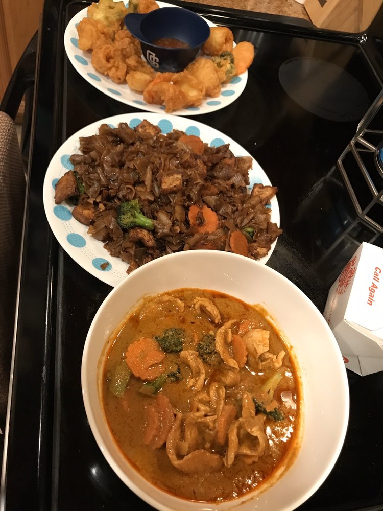 Tamarind Thai Restaurant: 7970 University Ave, La Mesa, CA