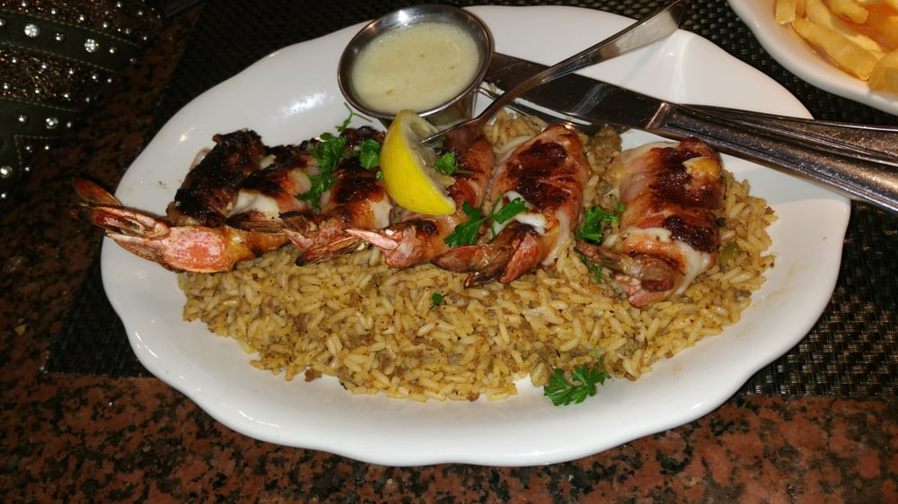 Richardo's Latin American Restaurant: 207 W Zavala St, Crystal City, TX