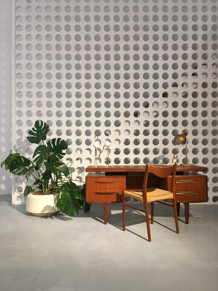 El recibidor tienda de muebles carrer viladomat 9 l for Telefono registro bienes muebles madrid