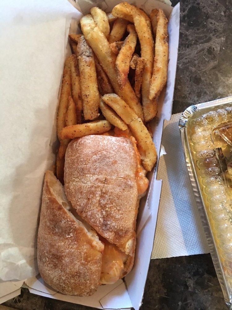 Pats Select Pizza | Grill: 41 E Glenwood Ave, Smyrna, DE