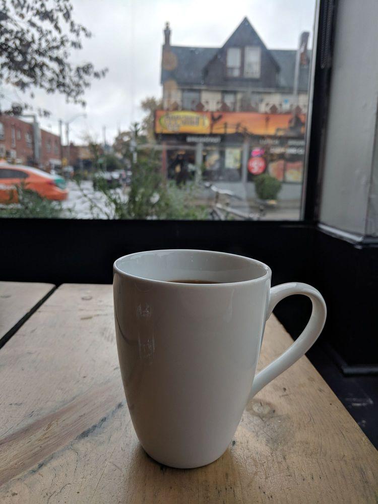 18 859 Bloor Saving Café Gigi Thé Et W Photosamp; 72 Avis Street OPuikXZlTw
