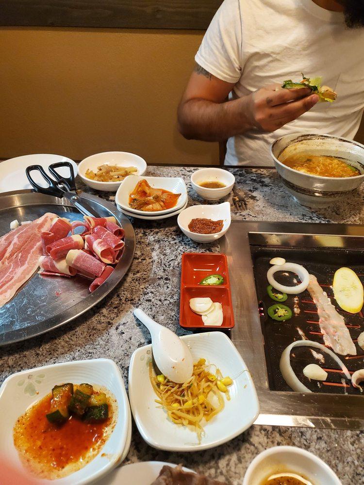 Korean BBQ Kitchen: 2447 N Main St, Belton, TX