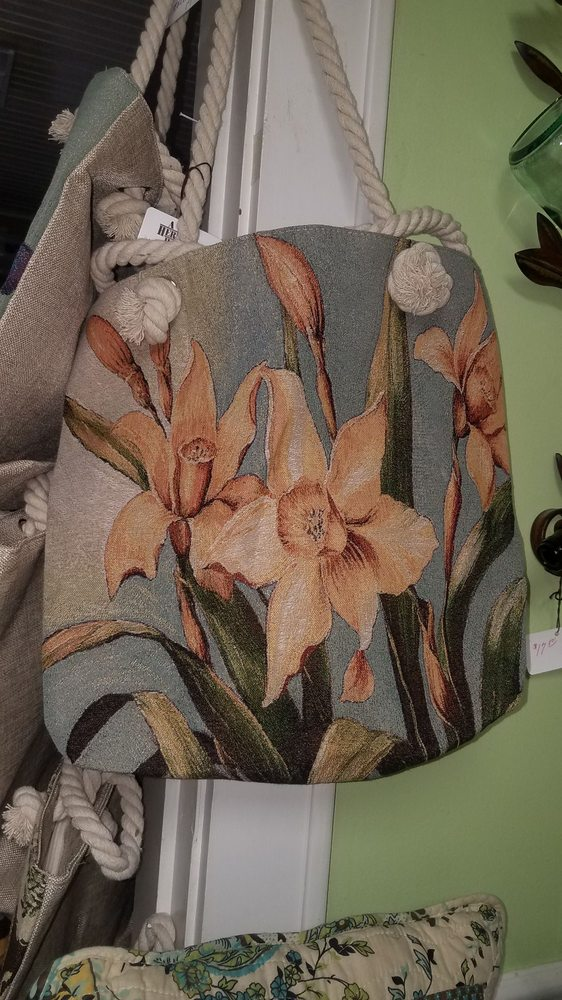 A Heritage House furniture and gifts: 1170 Lexington Ave, Mansfield, OH