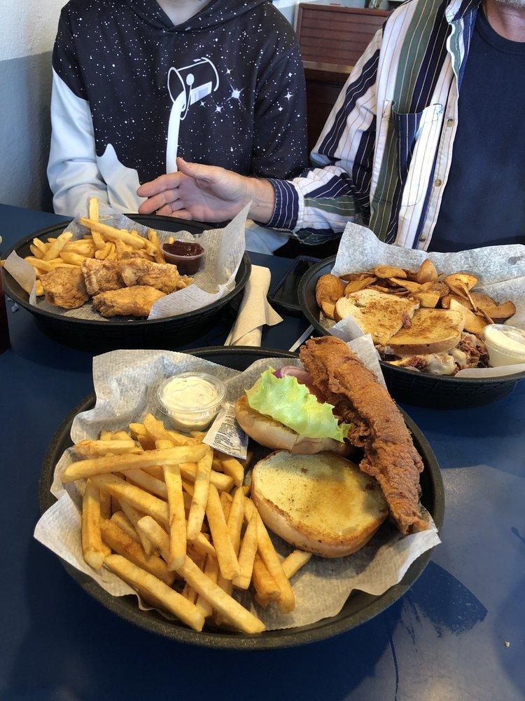 Back Street Cafe: 4109 Walnut St, Loris, SC