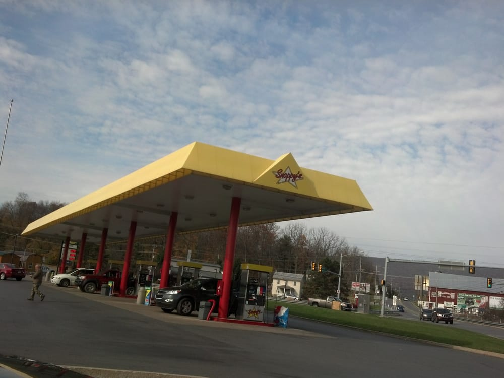 Snappy's: State Route 45, Centre Hall, PA