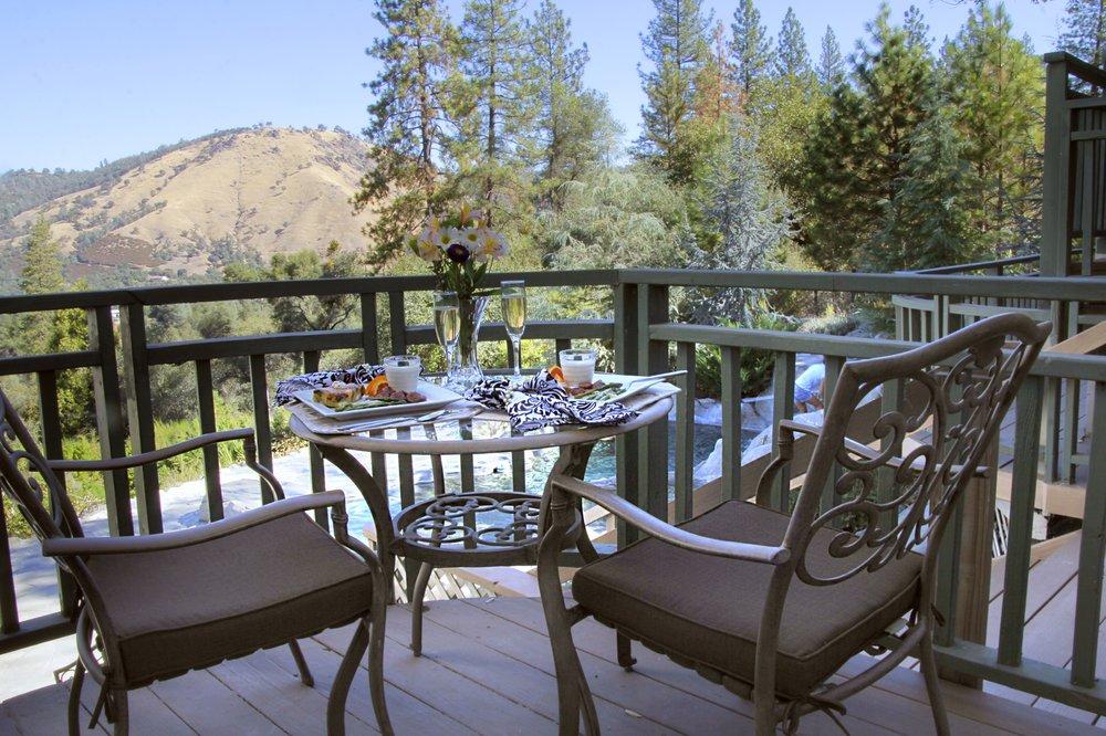 Bella Vista Bed & Breakfast, Inc: 581 Cold Springs Rd, Placerville, CA