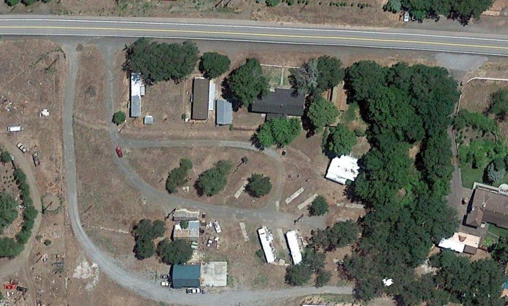 Gazelle Mobile Home Park: 18625 Old Hwy 99 S, Gazelle, CA