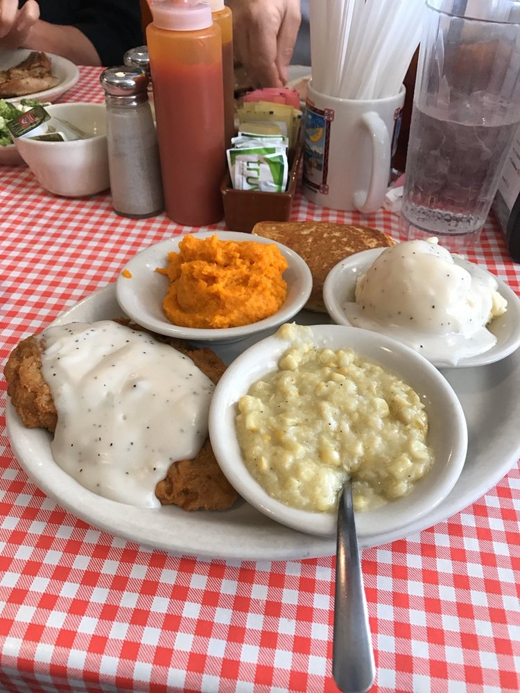 Bell Buckle Cafe: 16 Railroad Sq E, Bell Buckle, TN