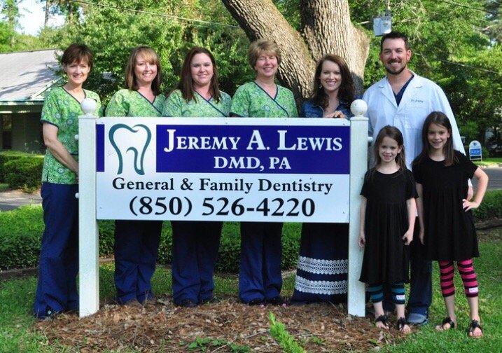 Jeremy Lewis, DMD: 4307 3rd Ave, Marianna, FL