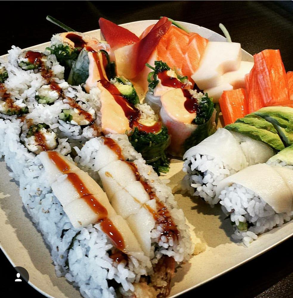 Sake Sushi: 5925 Malden Road, LaSalle, ON