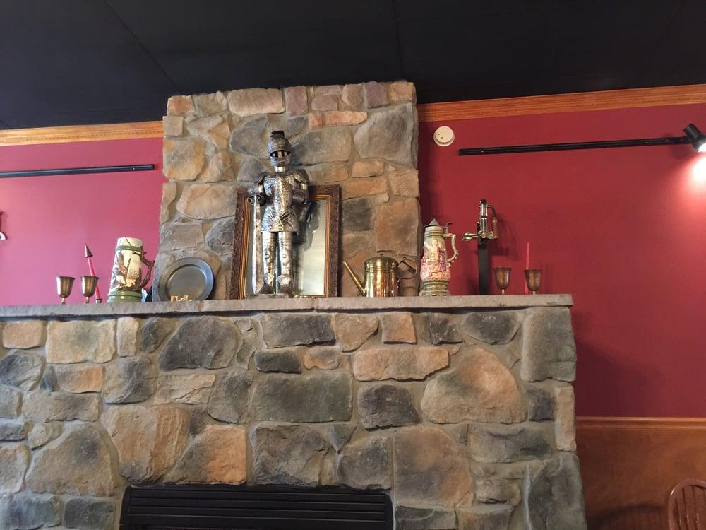 The Pub & Battlefield Brewery: 4187 Plank Rd, Fredericksburg, VA